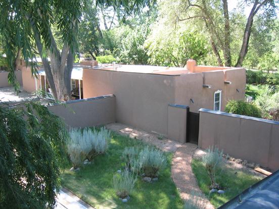 jacona-courtyard